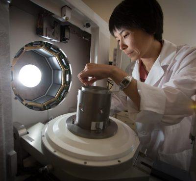 student in bioimaging lab